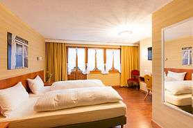 doppelzimmer01_hotel_rooms_cafemp-1024x6