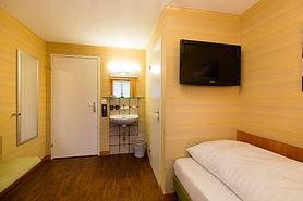 einzelzimmer03_hotel_rooms_cafemp-1024x6