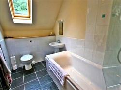 Torcastle Lodge - Bathroom
