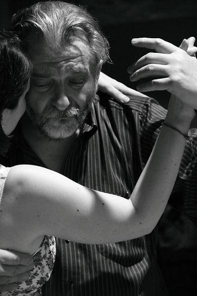 tango dancing man