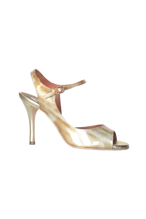 Tango Sandal in shades of gold