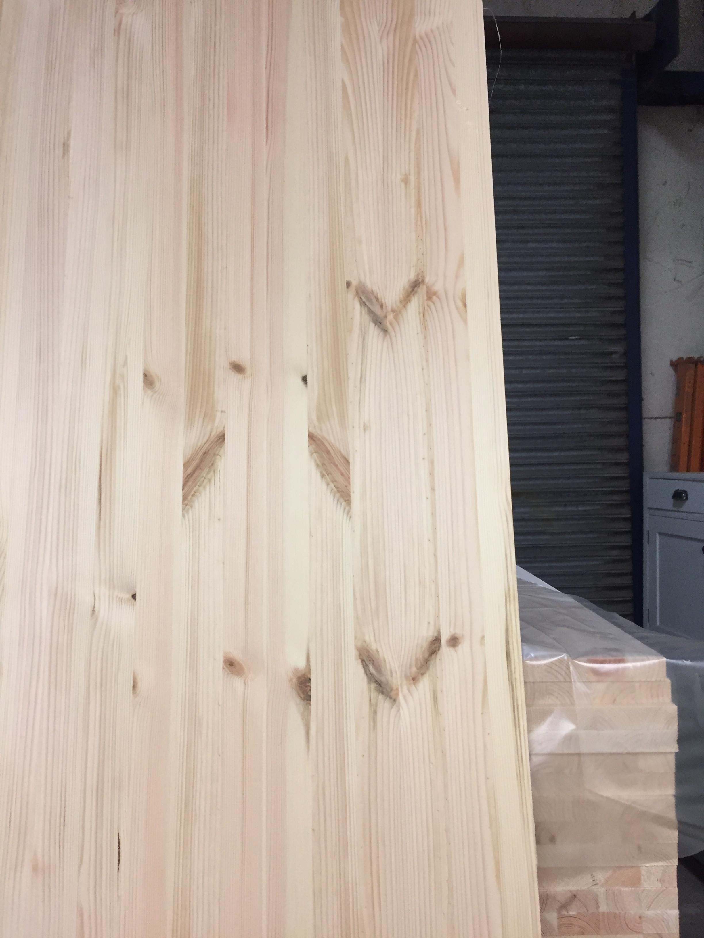 Scandinavian pine panel 32mm