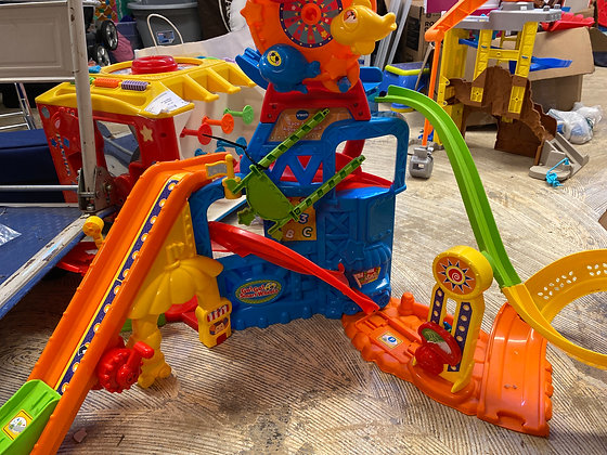 Vtech race and play