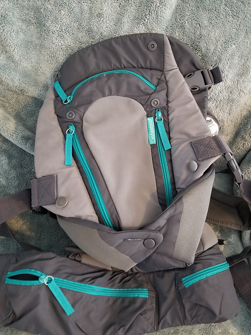 Infantino Pack w/lots of pockets