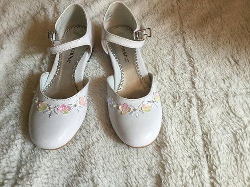 Christie & Jill White Heel Dress Shoes