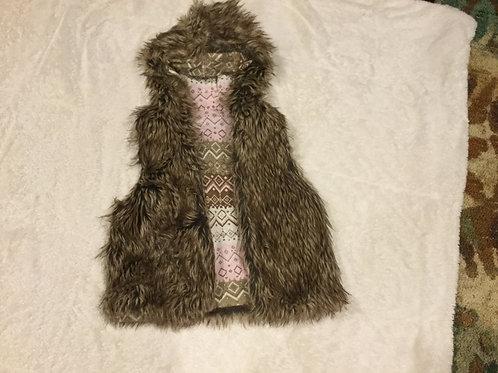 Mud Reversible Vest Fur And Pink Geo Design