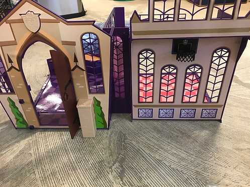 Monster High portable dollhouse and access