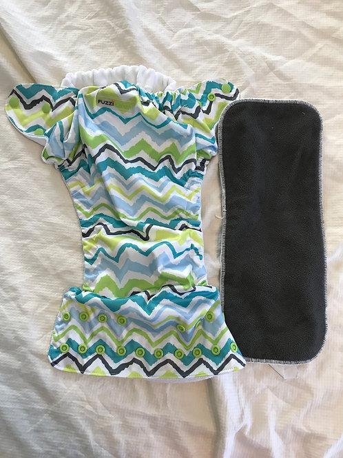 Fuzzibunz cloth w/ insert Blue/green chevron
