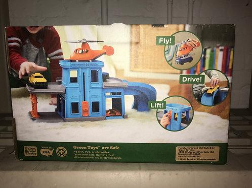 Green Toys new Parking Garage rv $40