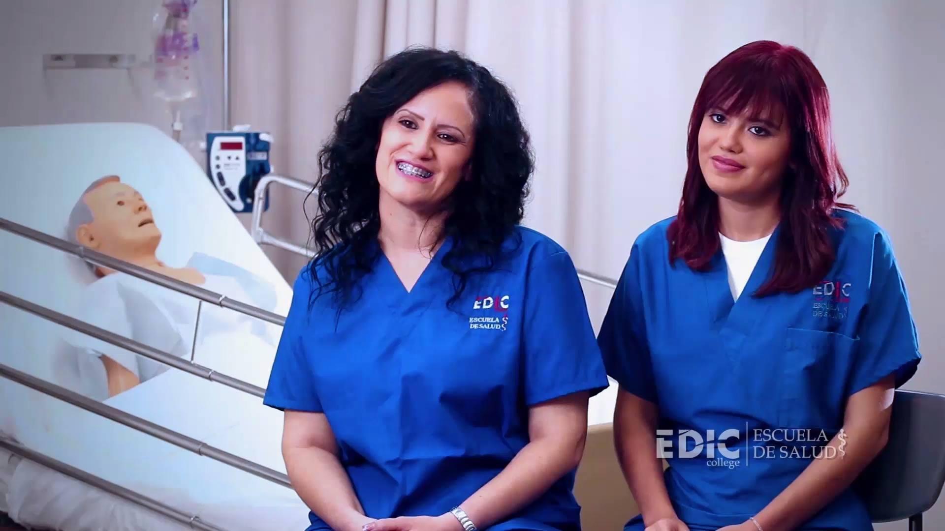 Carmen y Génesis - Madre e Hija que estudian en EDIC College