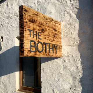 the-bothy-sign_the-outdoor-hotel