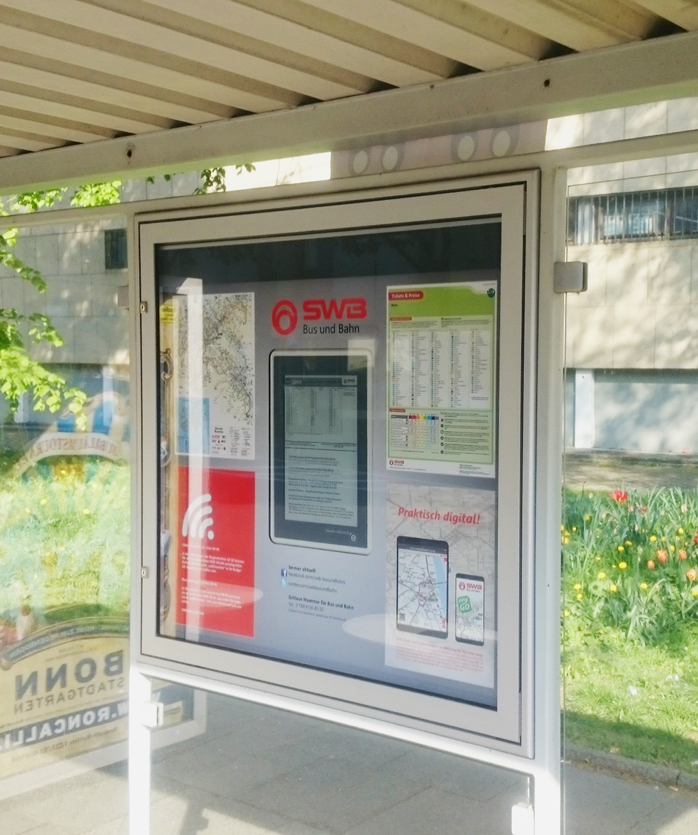 E-Paper Display in der Vitrine - Stadtwerke Bonn