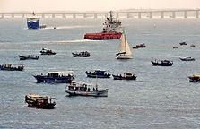 barcos veleiro rebocador.jpg