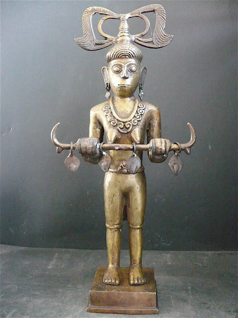 Sculpture bronze timor