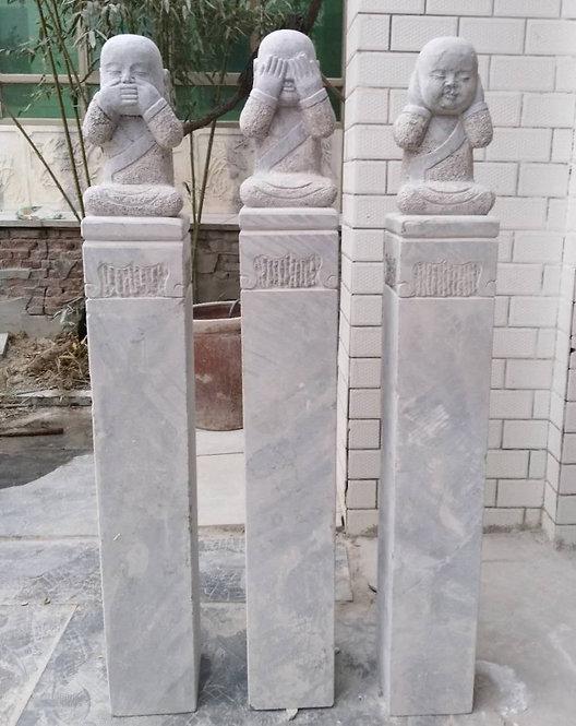 Set de 3 sculptures en pierre moines