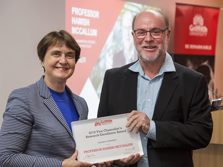Hamish receives the Vice Chancellor's Research Leadership Award!