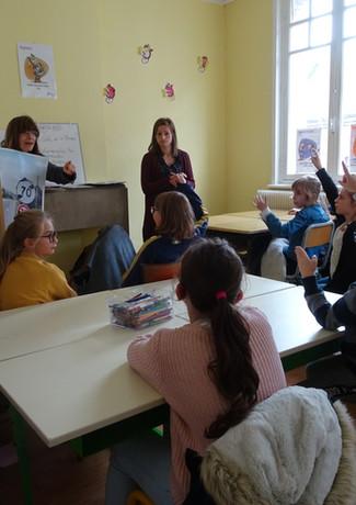 Claudie Lenzi à l'école Pierre et Marie Curie