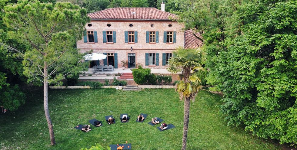 Copie de Yin devant la maison.JPG