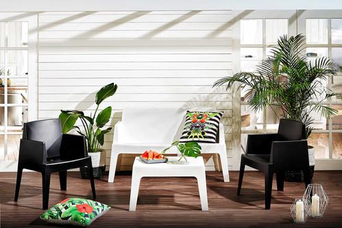 Outdoor Furniture Suite
