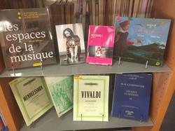 A la bibliothèque de Conservatoire