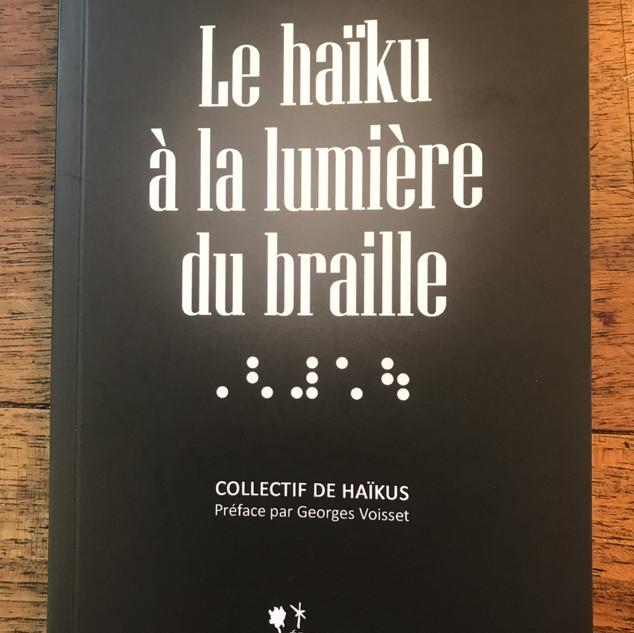 Couverture A la lumière du braille.jpg