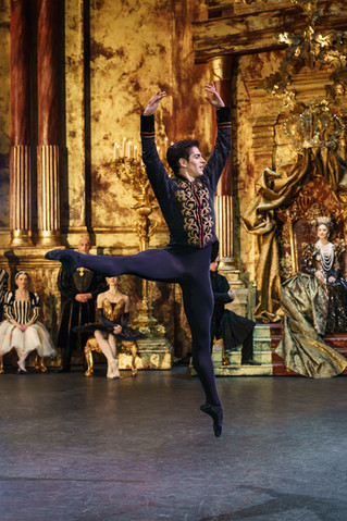 Another Fantastic Q&A with Federico Bonelli (Royal Ballet Principal Dancer)