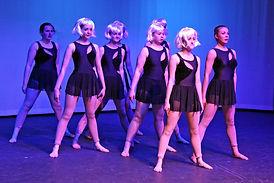 modern dancer classes