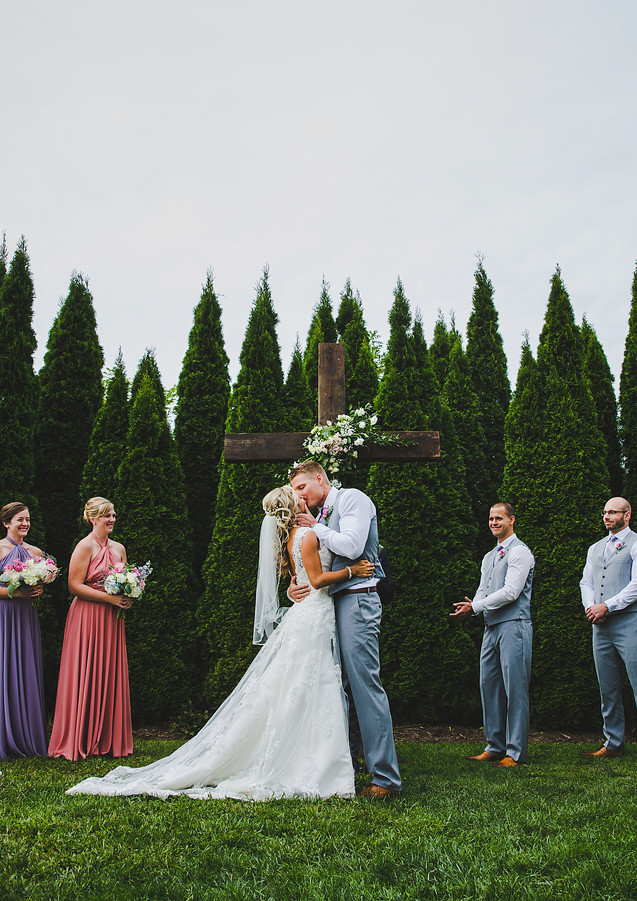 first-kiss-wedding-boone-NC.jpg