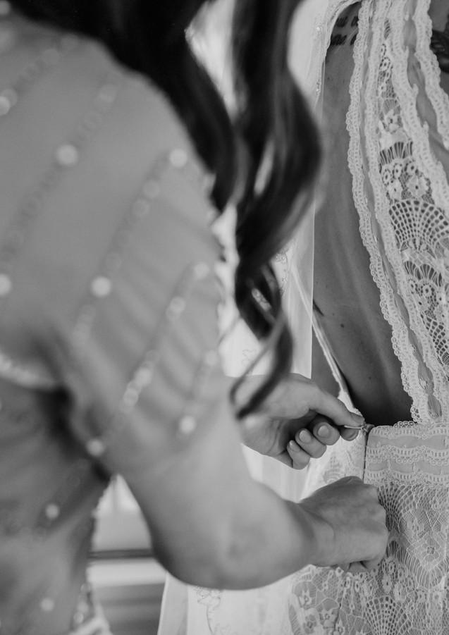 bridegettingindress