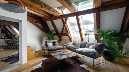 Dachwohnung mit Sichtbalken, Immoblienfotograf Schweiz
