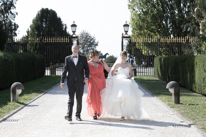Braut auf dem Weg zur Trauung, Villa Wenkenpark Riehen