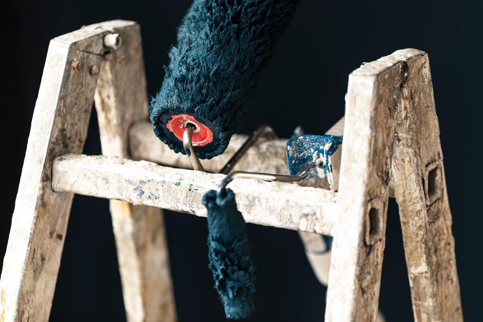 Detailaufnahme von Leiter und Maleruntensilien für Corporate Fotografie für Urfer Maler
