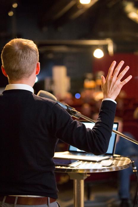 Event von Sequens IT, Redner aus dem Hintergrund fotografiert