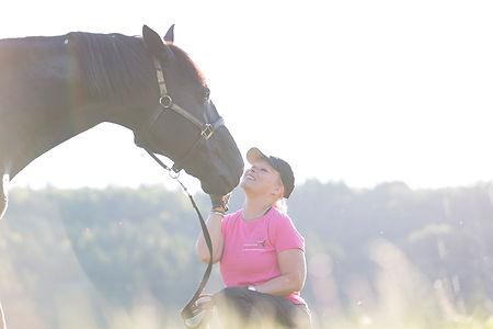 Mensch Tier Fotografie, Natural Horse Coaching, Frau mit Pferd