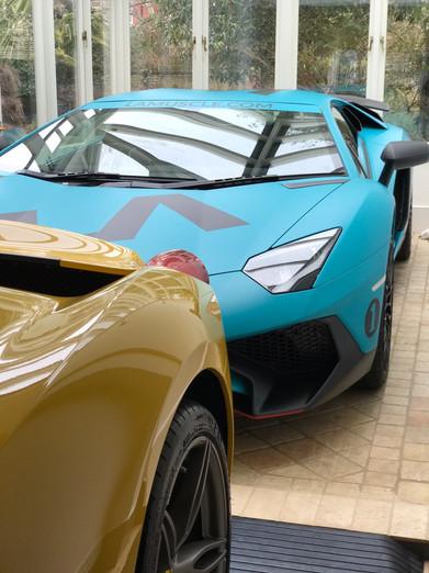 Lamborghini Aventador SV & Ferrari 458 Speciale Aperta