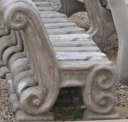 Frikkie bench leg