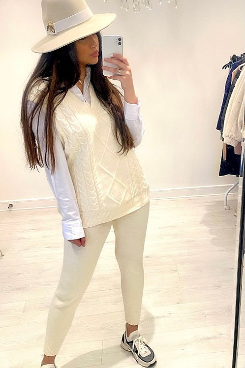 PREMIUM Cream 3 Piece Set With Cable Knit Vest, Cream Joggers And White Shirt