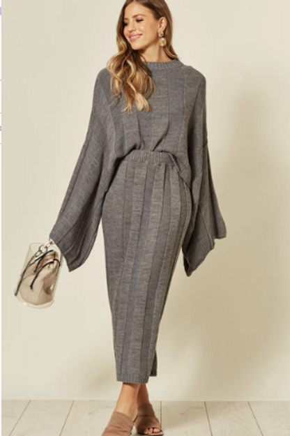 Grey Knitted Co-Ord With Round Neck And Skirt