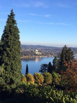 Vista del castello di Angera