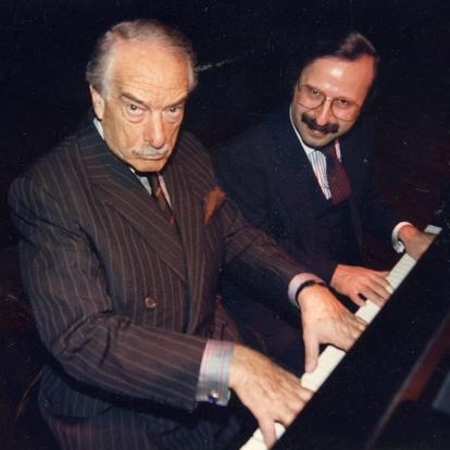 Jesting with humorist Victor Borge  (New York, USA, 1982)