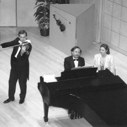 Performing with violinist Eugene Fodor  (Washington, D.C., USA, 1994)