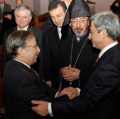 Greeting the former President Sargsyan of Armenia while Abp. Barsamian looks on (New York, USA, 2008)