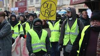Il y a confusion entre les Référendul d'initiative citoyenne (RIC) et gouvernemental (RIG)