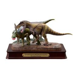 ティラノサウルス&エドモントサウルス