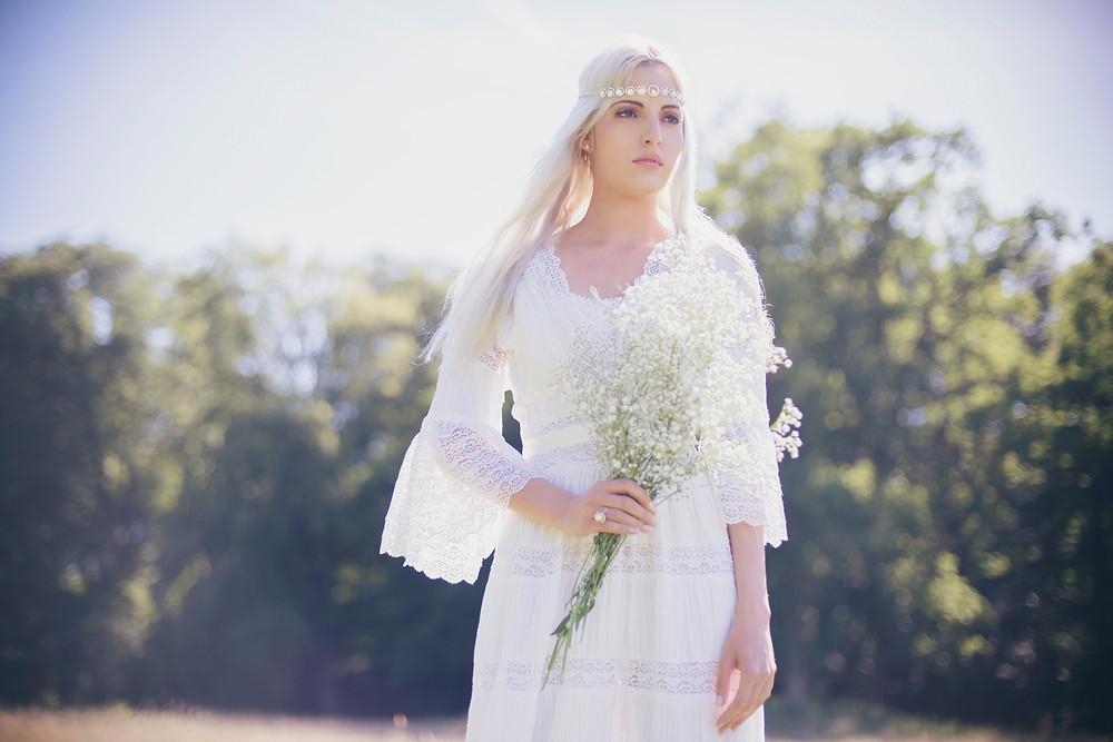 Bohemian wedding dress. Boho wedding dress. Boho bride. How to have a bohemian wedding | Boho wedding ideas on a budget.  Boho wedding ideas on a budget. How to Plan a boho wedding.