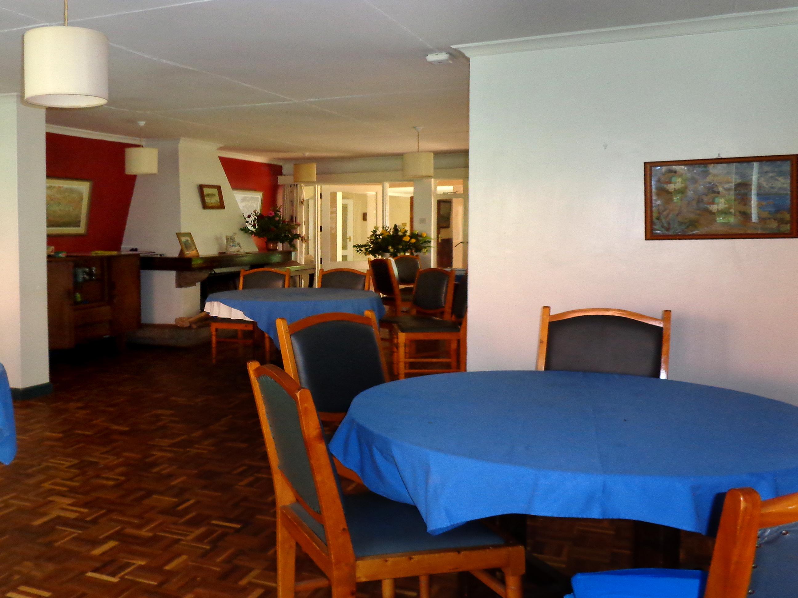 Dining Room 01.jpg
