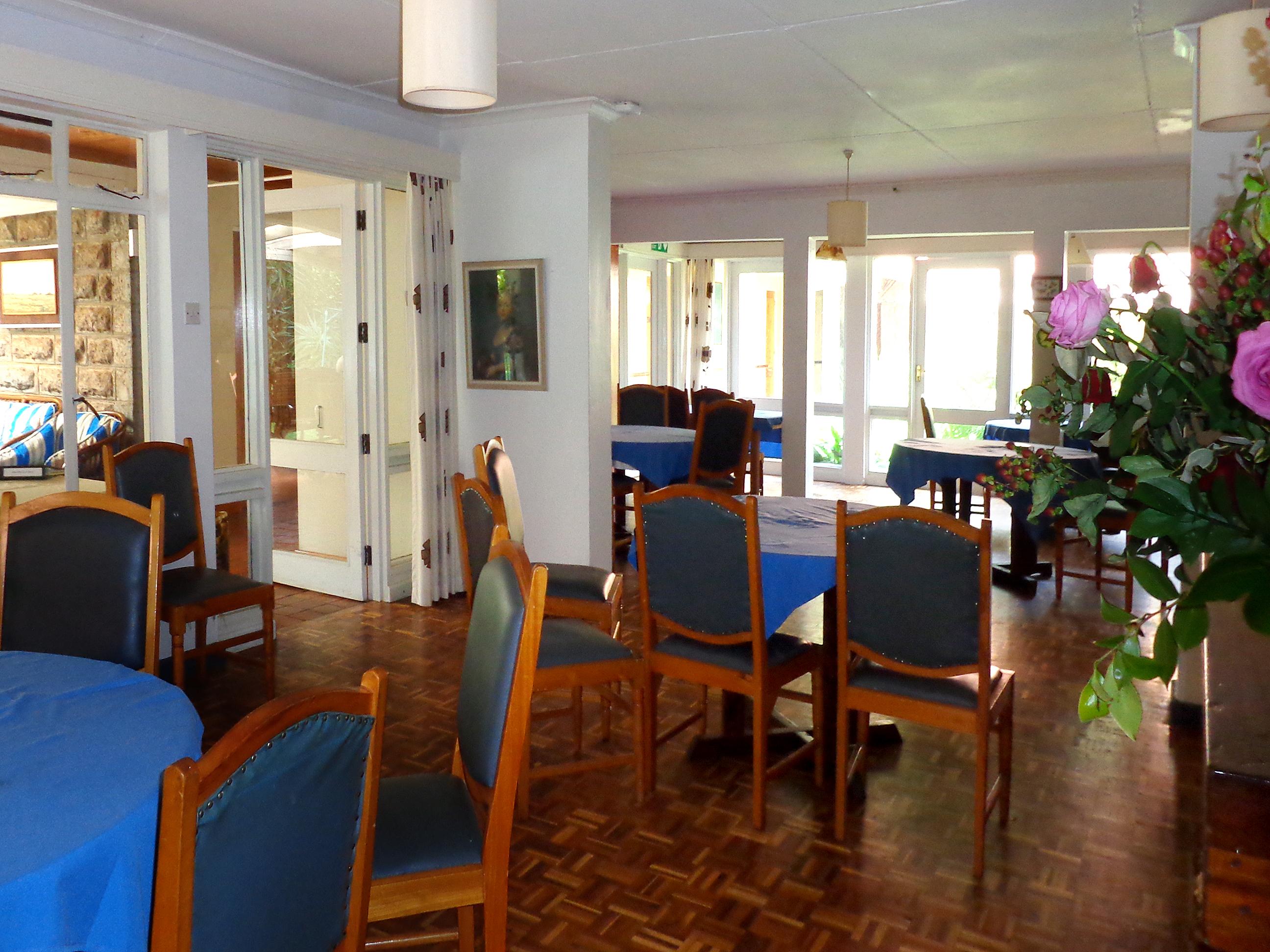 Dining Room 02.jpg