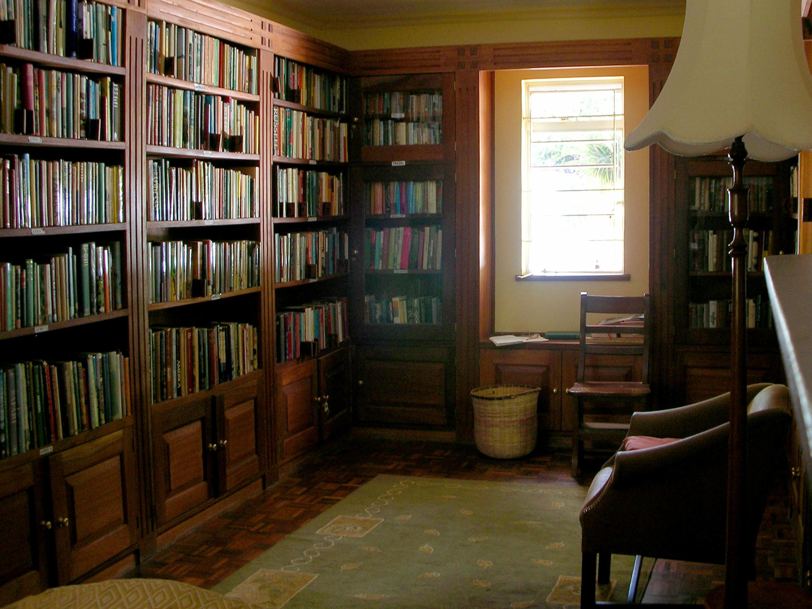 Library 01.jpg
