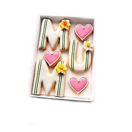 'mum' with sugar daffodil detail