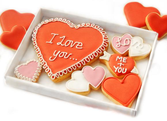 personalised heart cookies